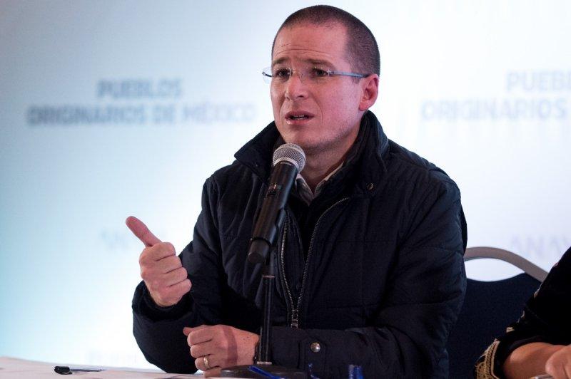 Ricardo Anaya se hunde por operaciones bancarias en seis países.