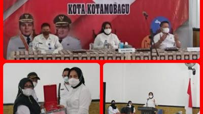 Perkuat Kesejahteraan Masyarakat KK, Walikota Tatong Bara Lantik Pokja PKP Plus Serahkan Bantuan IKM