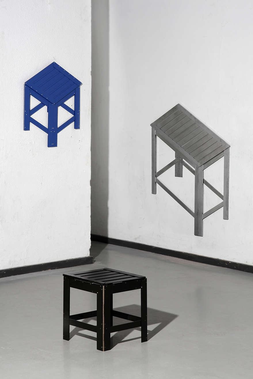 04-Jongha-Choi-Flat-Pack-Furniture-the-2D-Stool-that-Becomes-3D