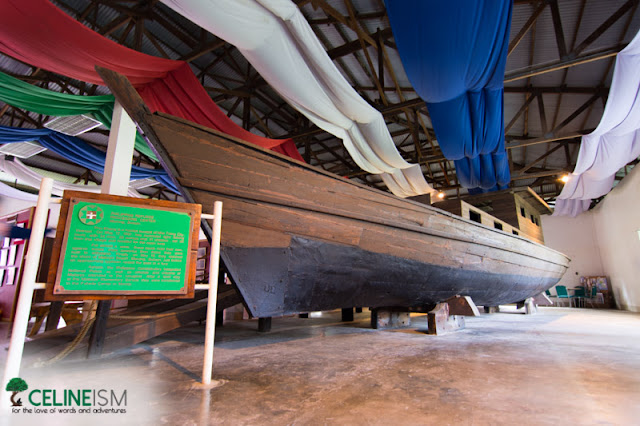 vietnamese refugee boat philippines