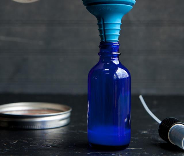 Cách chăm sóc da mặt bằng tinh dầu lavender