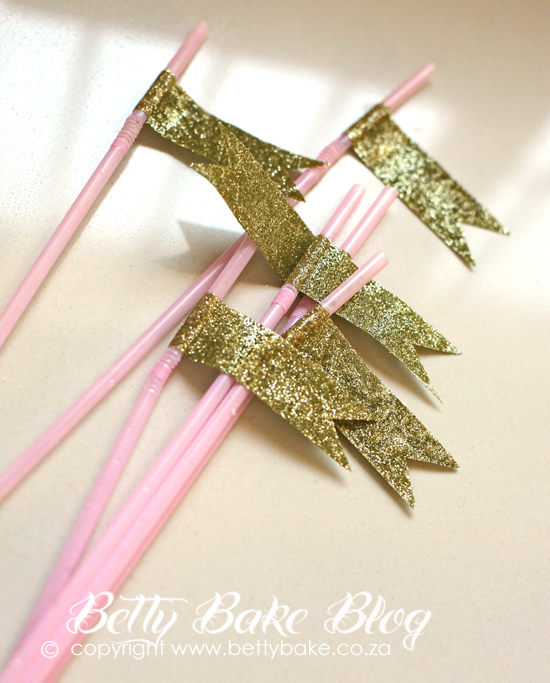 bling party, gold cake, sparkly, shiny, glitter, soda stream, vintage, gold flags on straws