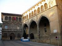 Plaza mayor; Ayuntamiento; Lonja; Alcañiz; Teruel; Aragón