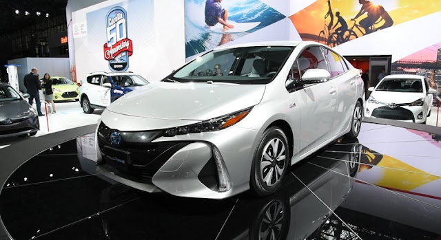 Price Toyota Prius and 2016 LATEST Specifications