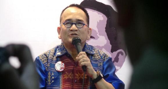 Ruhut Sitompul mengkritik Kementerian Hukum serta HAM yang kembali gagal