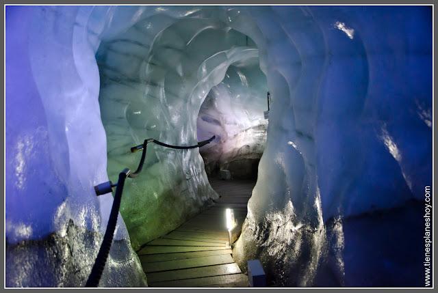 Eissegrotte en Glaciar de Stubai (Austria)