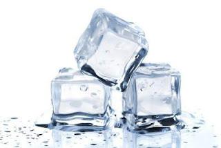 cara menghilangkan komedo secara alami menggunakan es batu