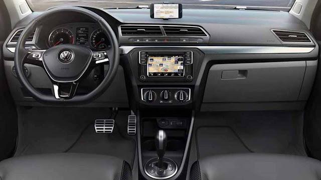 Volkswagen Gol e Voyagde 2017 - interior - painel