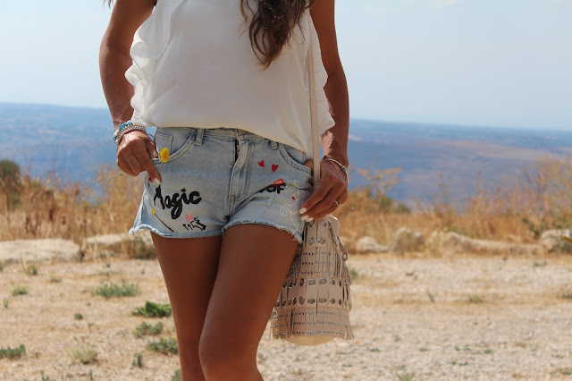 Patch trend, shorts, outfit
