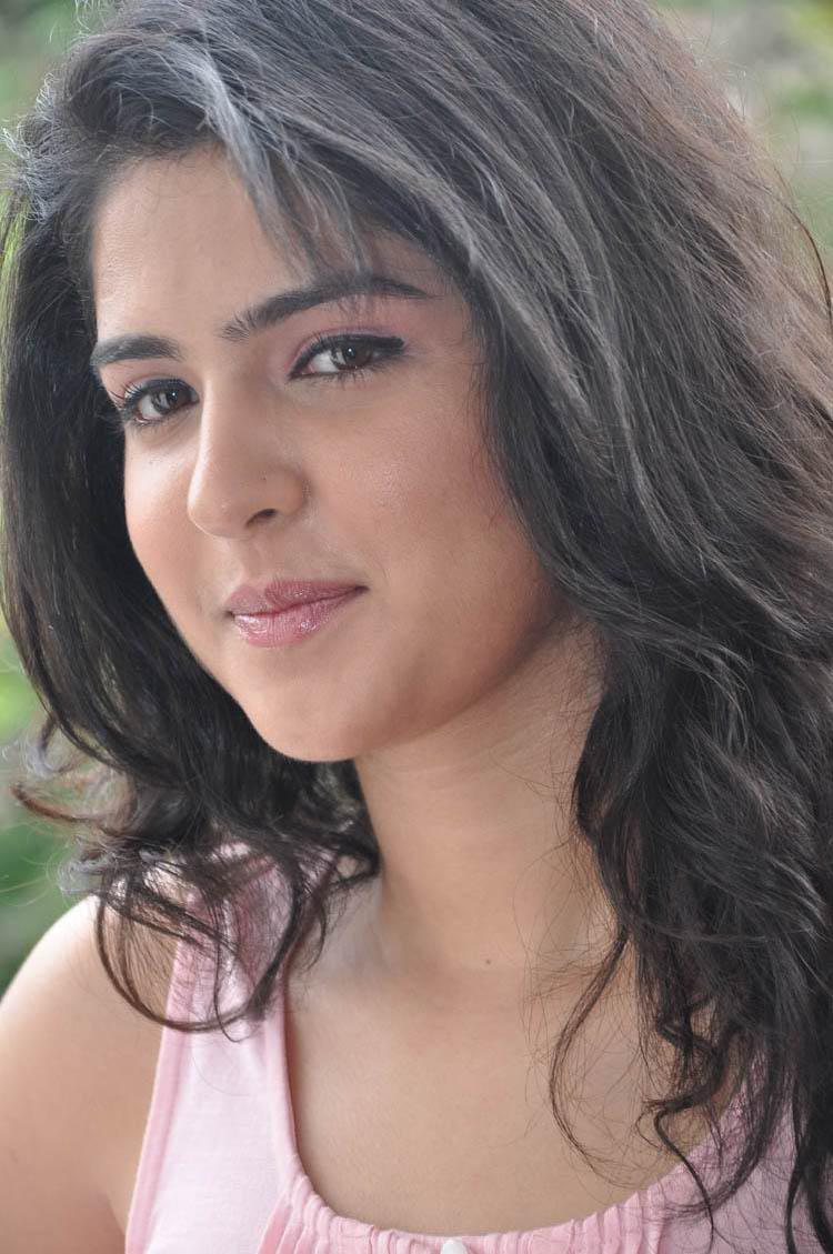 Deeksha Seth Close Up Photos