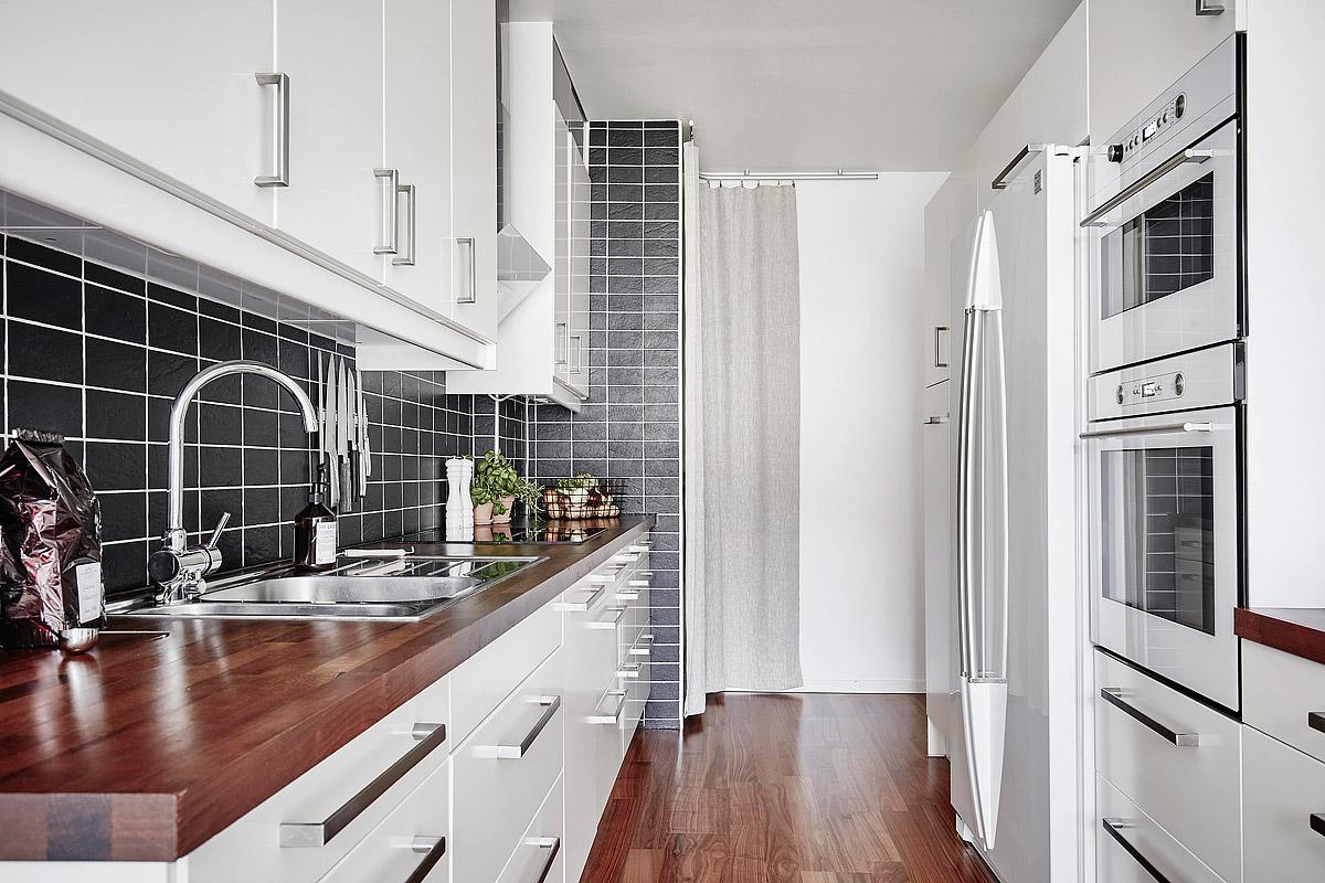 Biała Kuchnia Z Drewnianym Blatem Podłogą 2 Propozycje