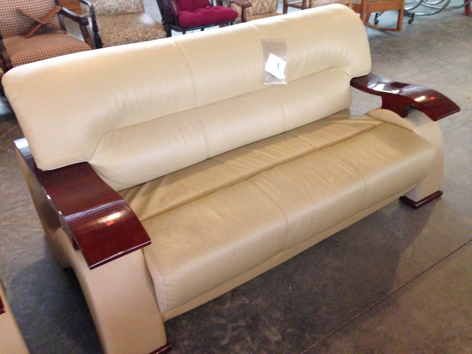 Used furniture and new arrival updates leather sofas for Used leather sofa set