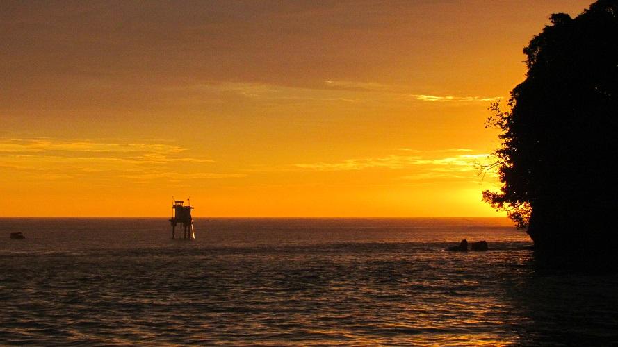 Tempat Wisata Pangandaran Pantai Batu Karas