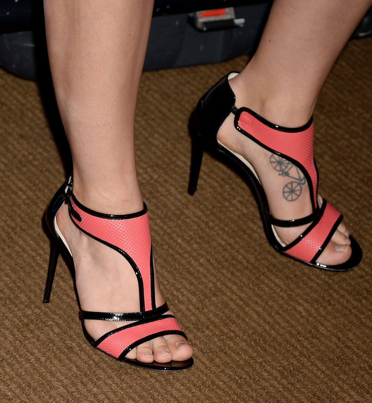 Celebrity Feet Nude Photos 58