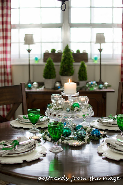 glass cake stand as centerpiece
