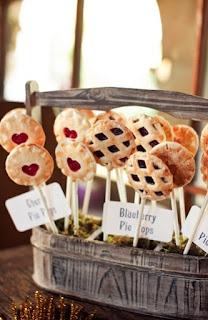 crostate sospese per un tavolo dolci matrimonio