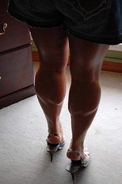 Her Calves Muscle Legs Beautiful Muscular Shaped Female -7287
