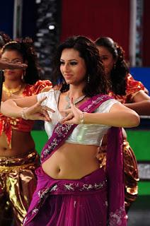 Isha Chawla Hot Deep Navel While Dancing In Saree   Tollywood actress navel Navel Queens
