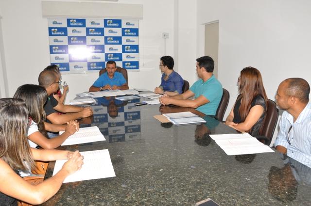 Prefeito Zito Barbosa recebe Comissão de Moradores e discute melhorias no Bairro Morada da Lua