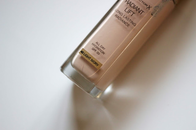 Max Factor Radiant Lift Long Lasting Radiance z Notino.sk