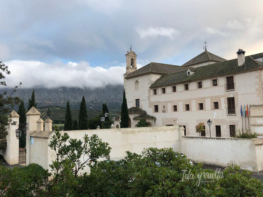 Hotel Convento la Magdalena vista del hotel y las montañas al fondo