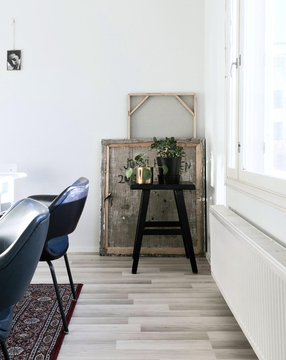 sisustus, sisustaminen, sisustusinspiraatio, ruokailutila, ruokatuolit, ruokapöytä, inredning, inspiration, interior, scandinavian home, home, mystyle, hyggehome, Visualaddict, valokuvaaja, Frida Steiner, valokuvaus, Kilta-tuoli, viherkasvit