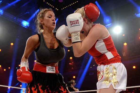 jordan-carver-vs-melanie-muller-boxing-fight-5