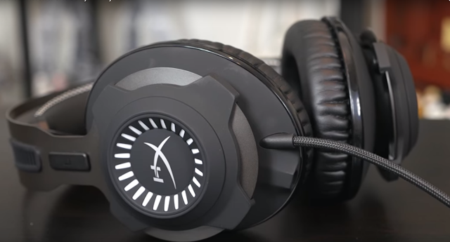 HyperX Cloud Revolver headphones good quality and very comfortable