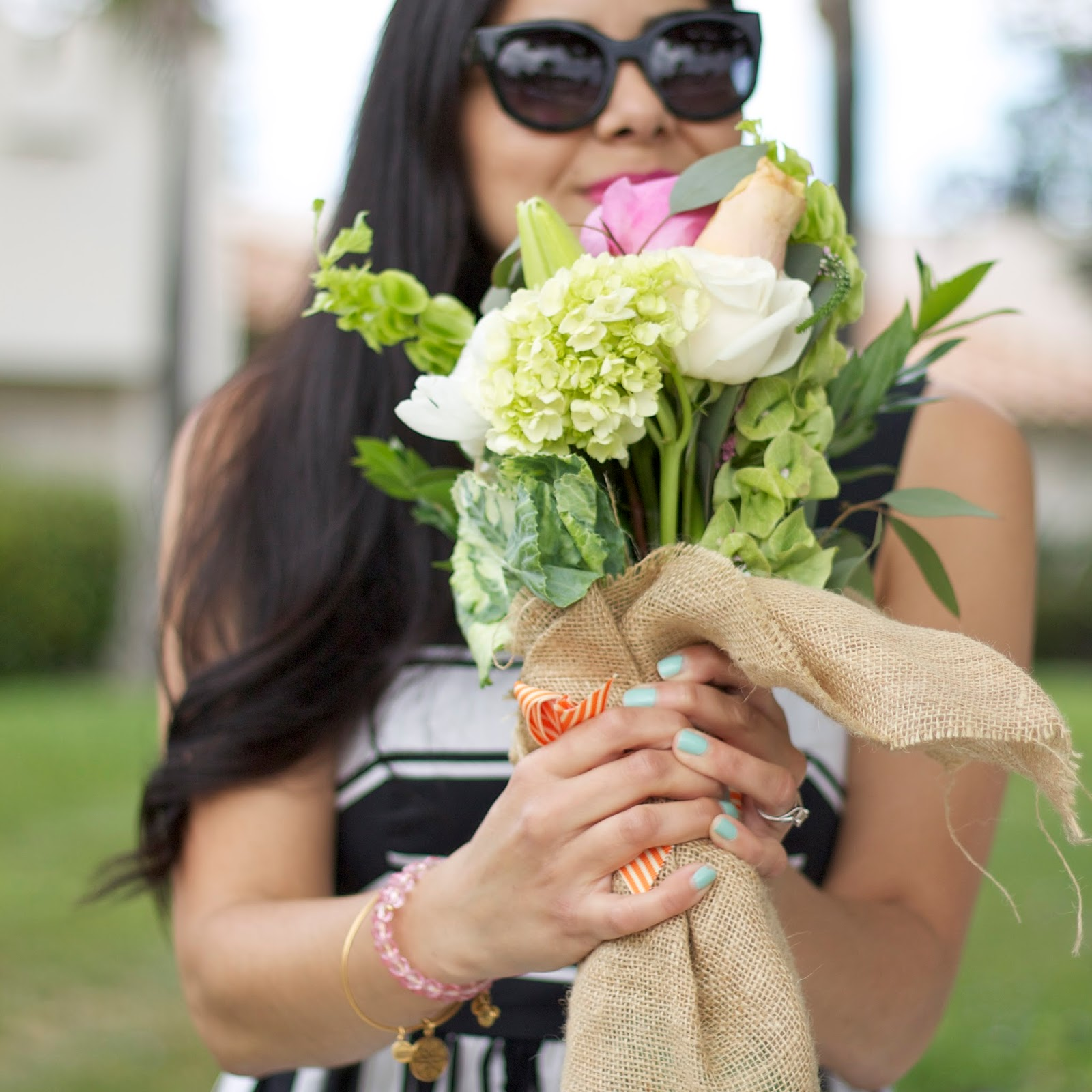 Mint nails, brunette blogger, san diego street style