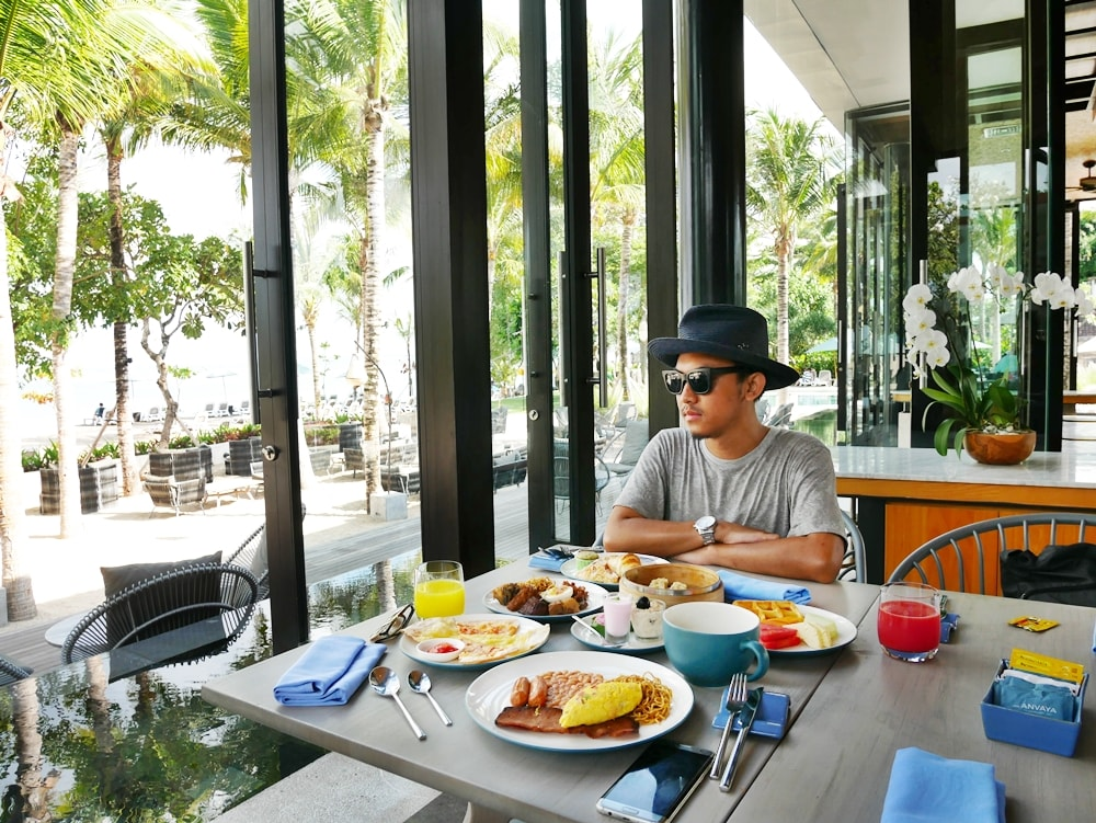 BREAKFAST AT THE SANDS RESTAURANT THE ANVAYA KUTA BALI