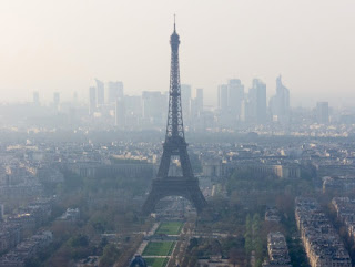 "Paris introduces ""car-free"" day"