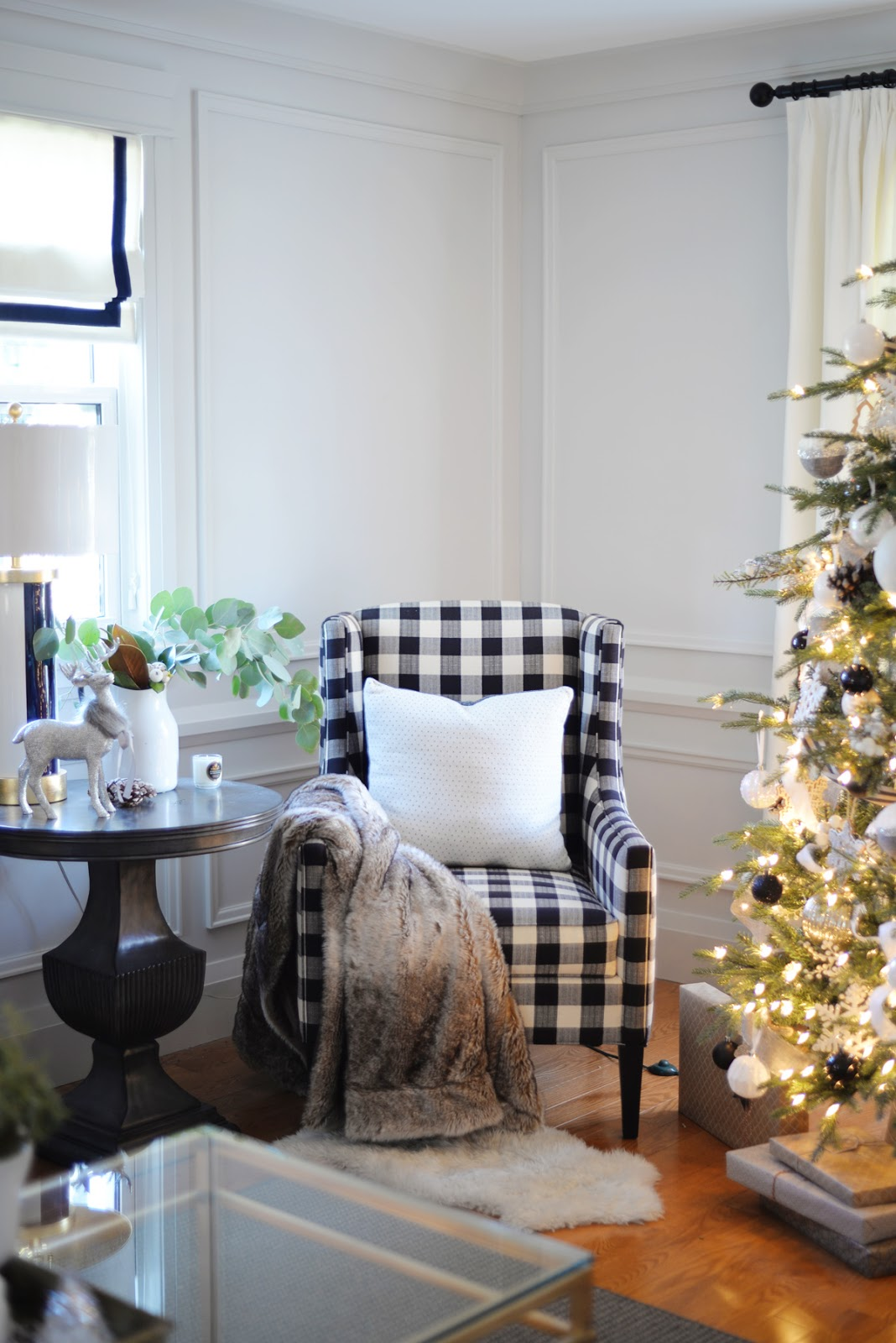 black white cozy classic Christmas decor, buffalo plaid chair