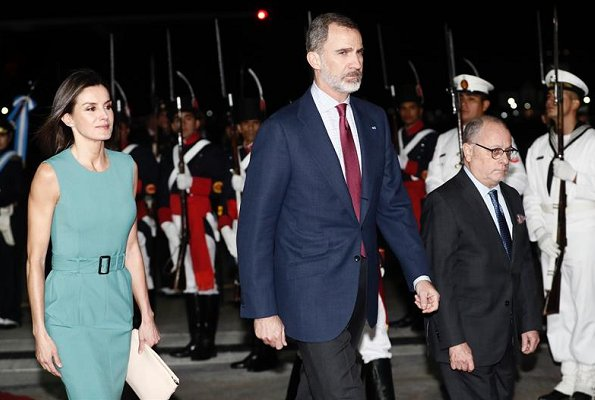 Queen Letizia wore Hugo Boss Dadoria Midi-length shift dress