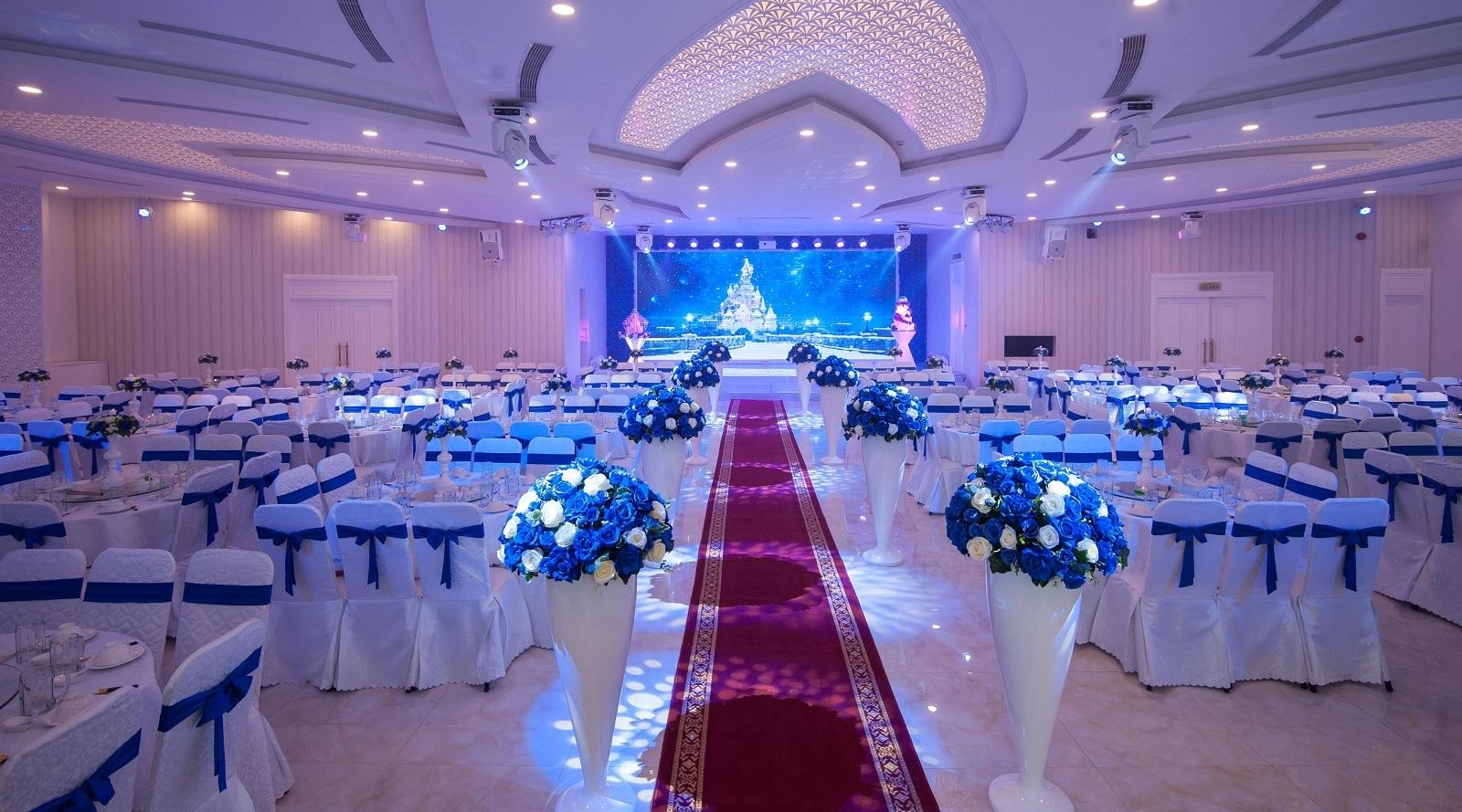 Đặt tiệc cưới nhà hàng Gia Lai chỉ hơn 2 triệu mỗi bàn, tặng 3 chỉ vàng, xe Limousine rước dâu