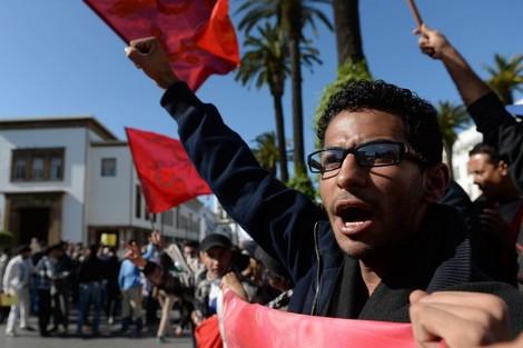 البنك الدولي يتوقع خفض الأجور وارتفاع الغضب الشعبي بالمغرب