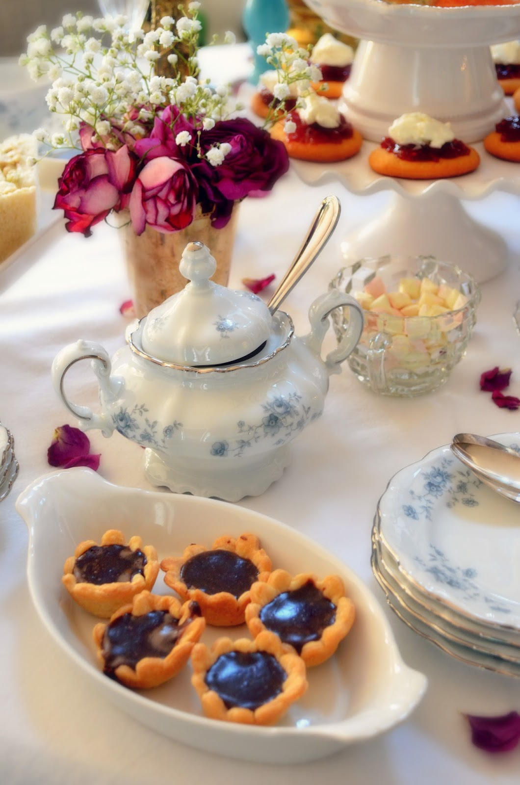 3 Simple How-To Tips for Hosting An Afternoon High Tea with Veuve Clicquot Champagne