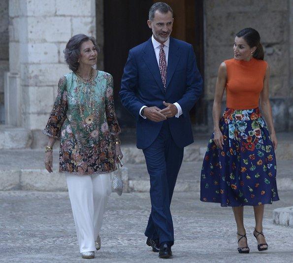 Queen Letizia wore HUGO BOSS Foebe Knit Wool Top. King Felipe VI and former Queen Sofia at summer reception. Carolina Herrera