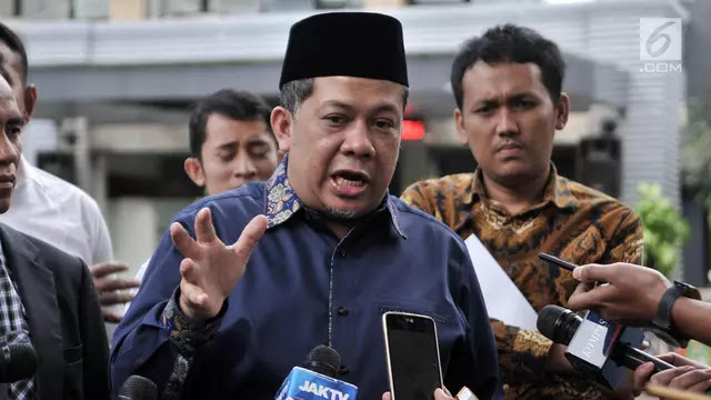 Fahri: Jangan Mimpi Jokowi-Prabowo Pelukan Hentikan Keributan