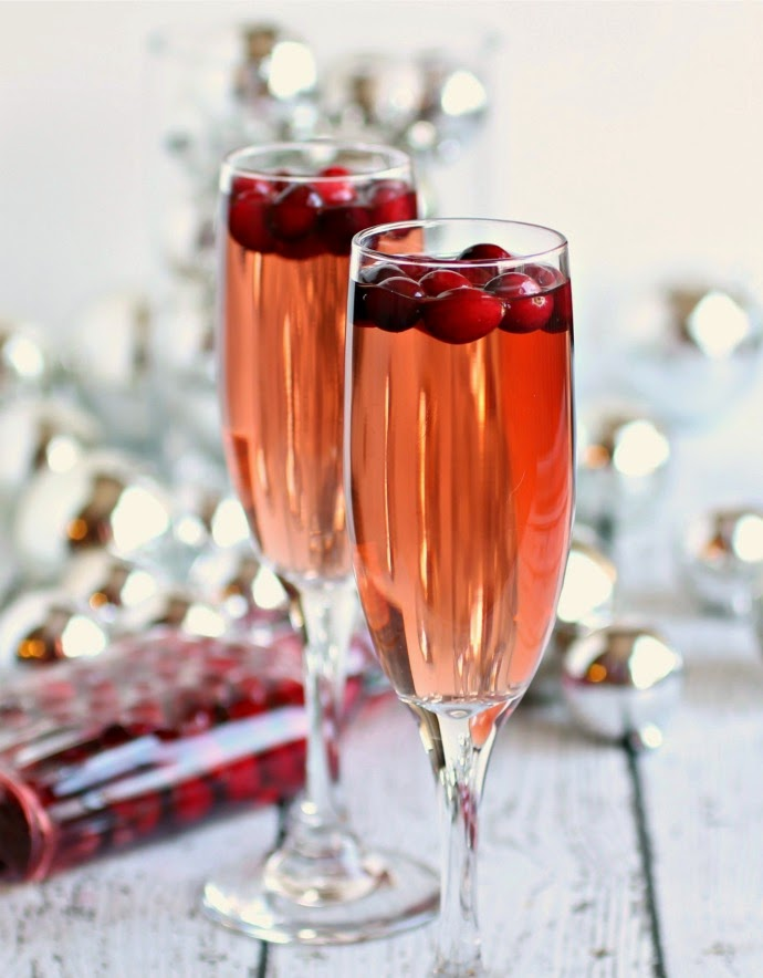 Sparkling Apple and Cranberry Champagne Cocktail