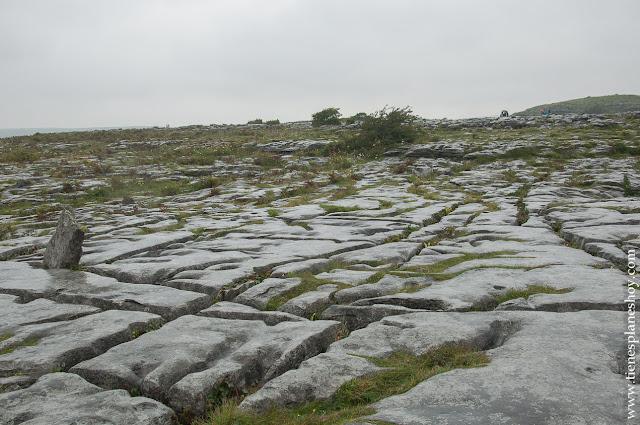 The Burren Poulnabrone Dolmen Irlanda