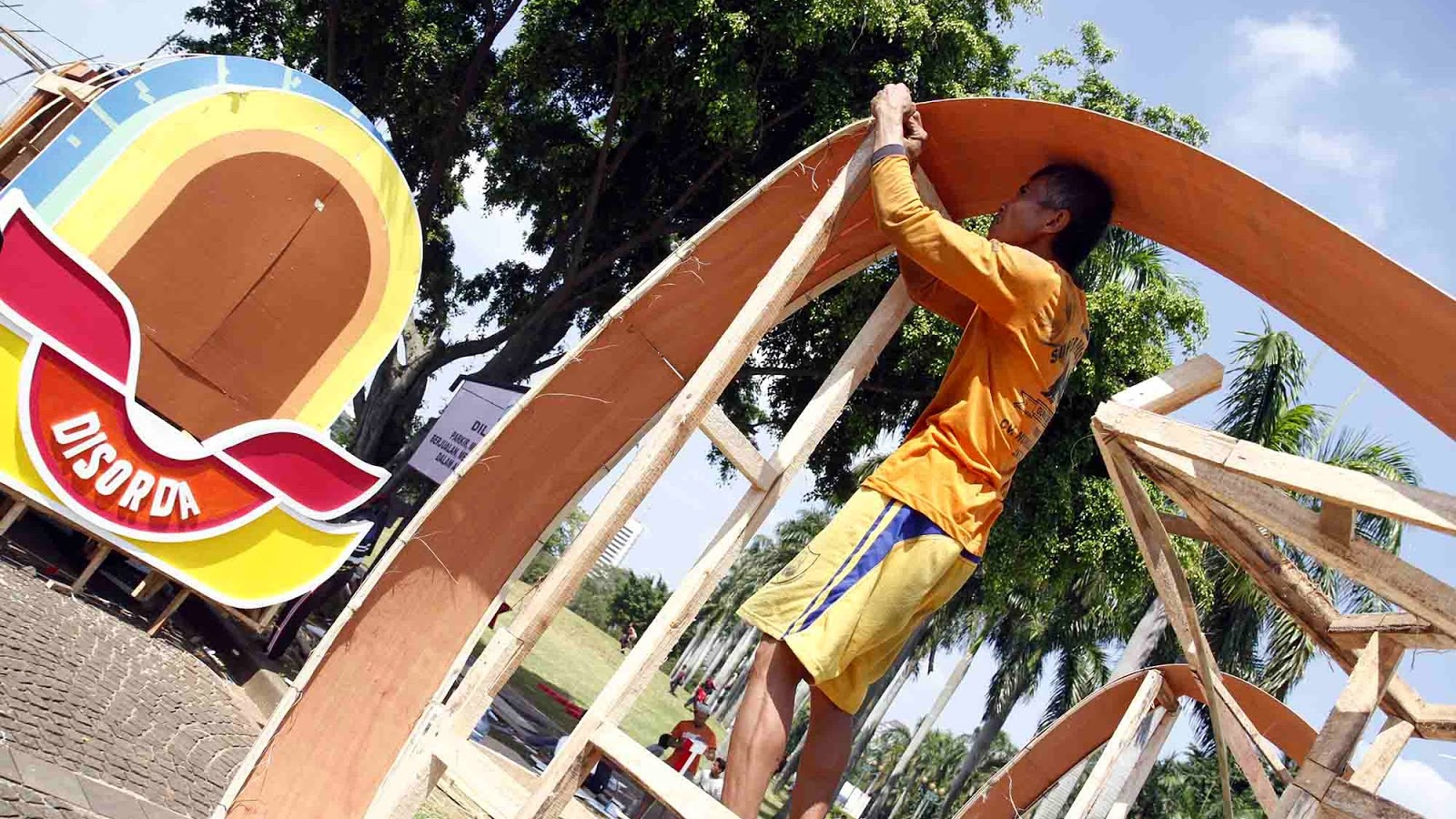 Persiapan karnaval HUT kota Jakarta yang ke-487 | LIAT AJA