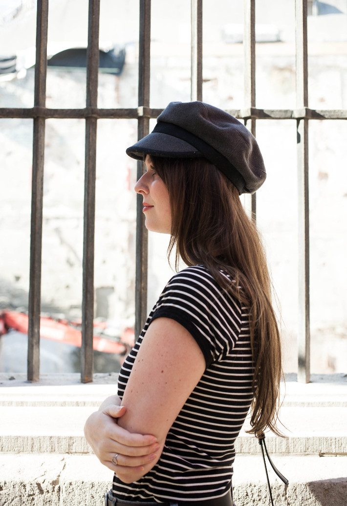 Outfit: 70s style in stripes and fiddler cap