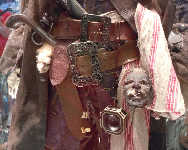 Pirates 4 Jack Sparrow costume belt detail