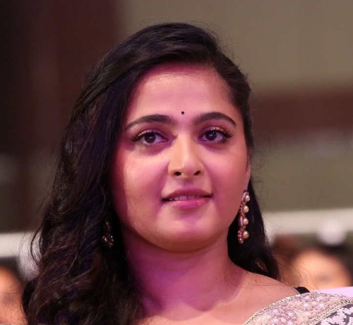 Tollywood Actress Anushka Shetty Top 10 Hot Chubby Face Close Up Stills