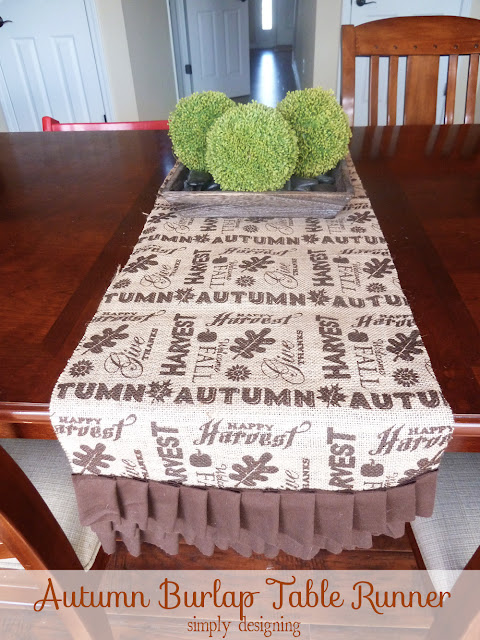 Burlap Table Runner | perfect fall or Thanksgiving table decor for a tablescape | #falldecor #thanksgiving #turkeytablescapes #burlap