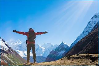 Человек горы путешествие красиво