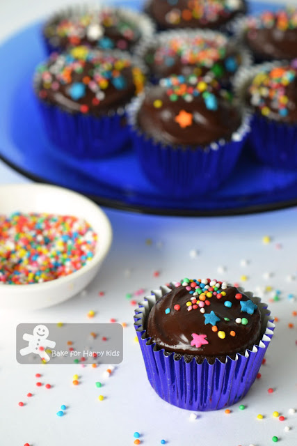 one bowl chocolate cupcakes Martha Stewart