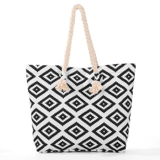 c12491fa9 This printed canvas Tote Bag is a great every day item. It has beautiful  pineapple print and rope handles. Every women wants a reliable and everyday  ...