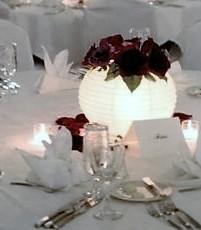 Centro de mesa con lámpara de papel