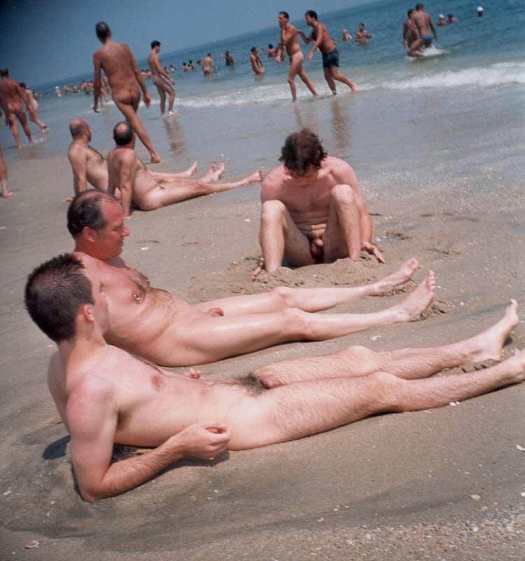 Sacudiendo a muchos de los chicos en la playa 1